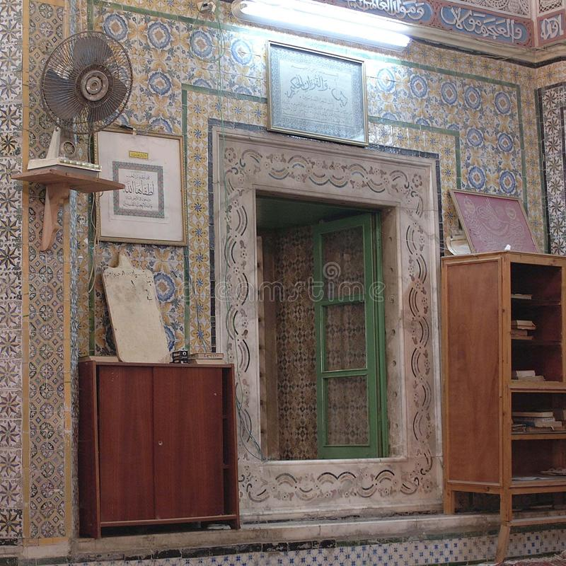 Vista di un interno della moschea immagine stock libera da diritti