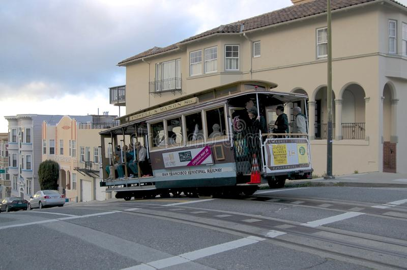 Vista di una cabina di funivia tipica di San Francisco immagini stock