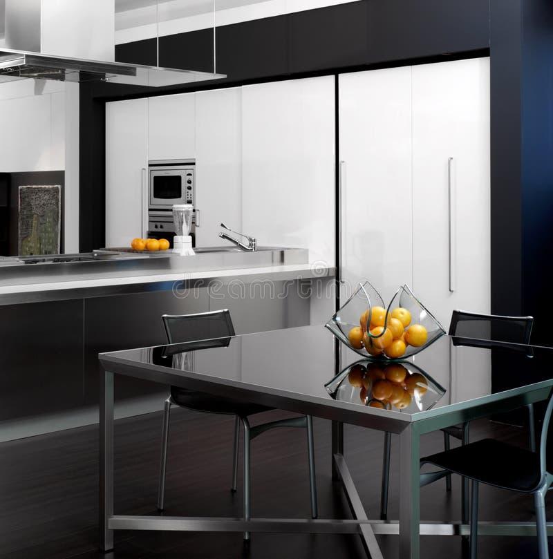 Vista di una cucina moderna immagini stock