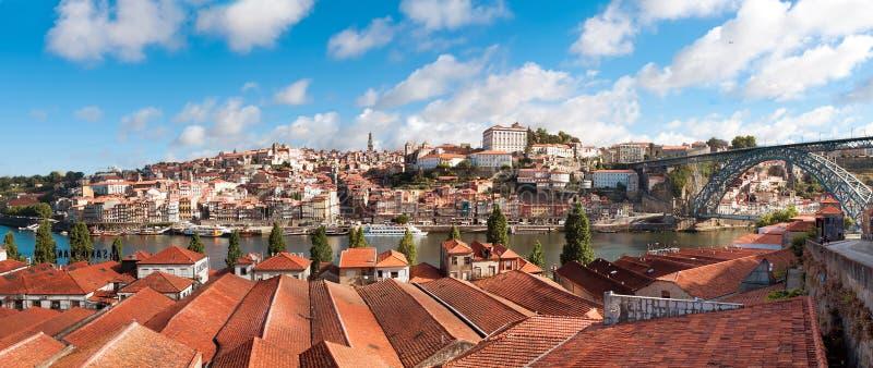 Vista di vecchia città di Oporto, Portogallo fotografia stock