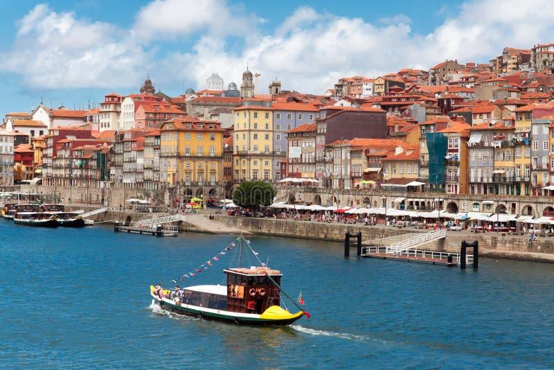 Vista di vecchia città di Oporto, Portogallo fotografie stock libere da diritti