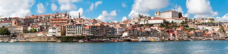 Vista di vecchia città di Oporto, Portogallo immagine stock