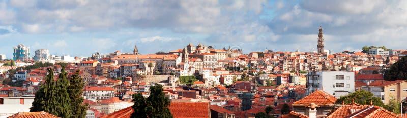Vista di vecchia città di Oporto, Portogallo immagini stock