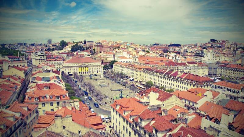 Vista di vecchio stile al quadrato di Pedro IV a Lisbona fotografie stock libere da diritti