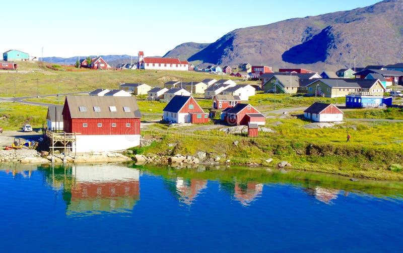 Vista di Waterside di Narsaq, Groenlandia fotografia stock