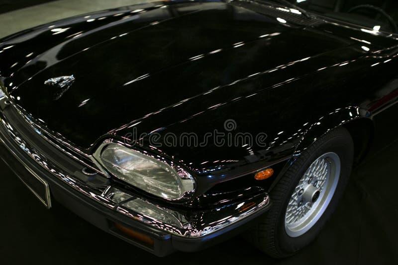 Vista dianteira de um cupê grande de Jaguar XJ-S do tourer do carro luxuoso imagem de stock royalty free