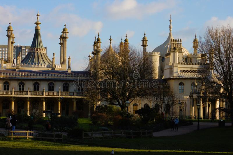 Vista dianteira do pavilhão real em Brigghton imagem de stock