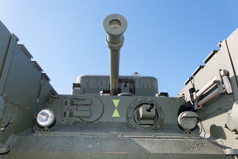 Vista dianteira do tanque britânico velho de Churchill imagens de stock