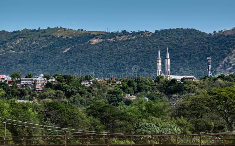 Vista distante de la iglesia de Tocaima fotos de archivo libres de regalías