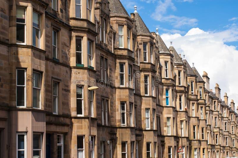 Vista do alojamento vitoriano do cortiço no West End de Edimburgo foto de stock royalty free