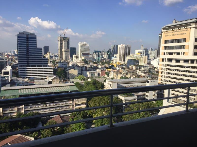 Vista do balcão em Bangrak, Banguecoque fotos de stock