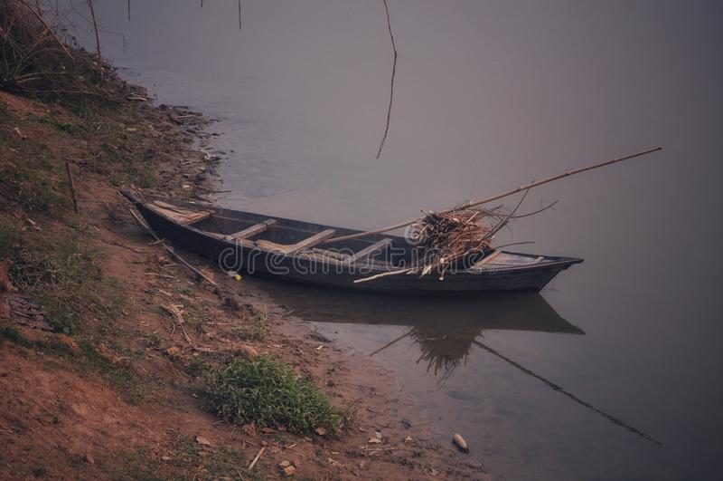 Vista do barco de rio foto de stock