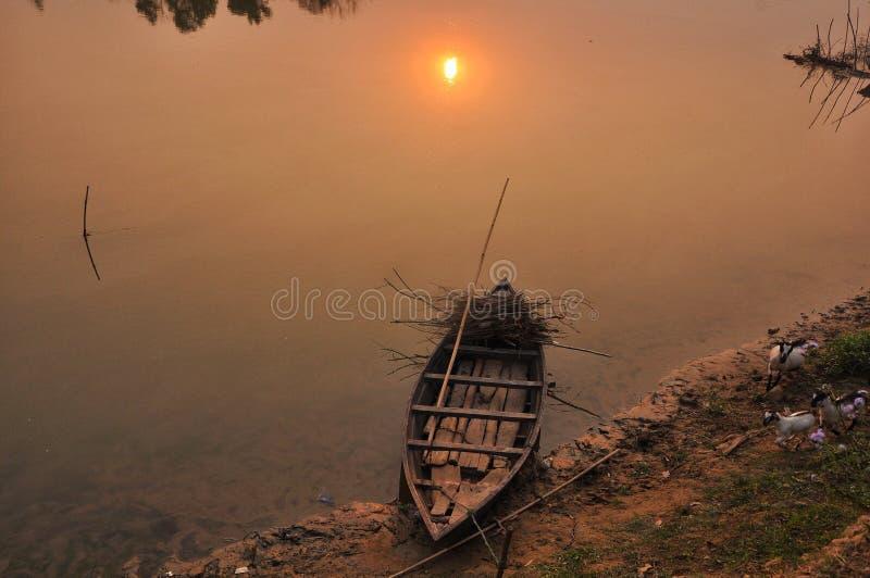 Vista do barco de rio imagem de stock royalty free