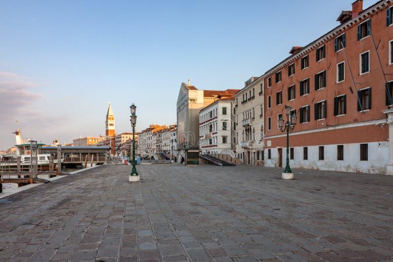 Vista do Boulevard Waterfront em Veneza pela laguna fotografia de stock royalty free