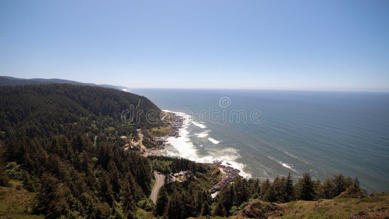 A vista do cabo Perpetua negligencia, costa de Oregon fotografia de stock