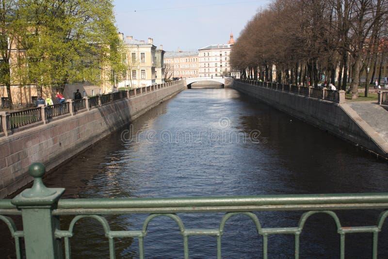vista do canal e das constru??es fotografia de stock royalty free