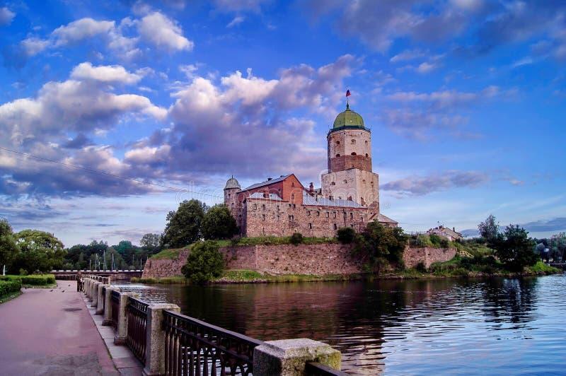 Vista do castelo da cidade de Vyborg Está na boca do rio Vuoksa fotografia de stock