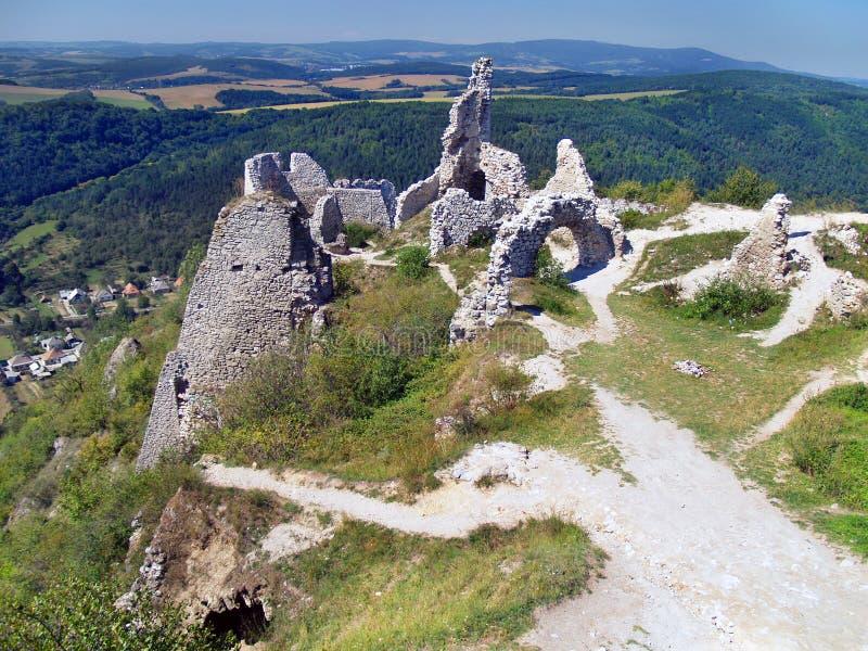 Vista do castelo de Cachtice imagem de stock royalty free