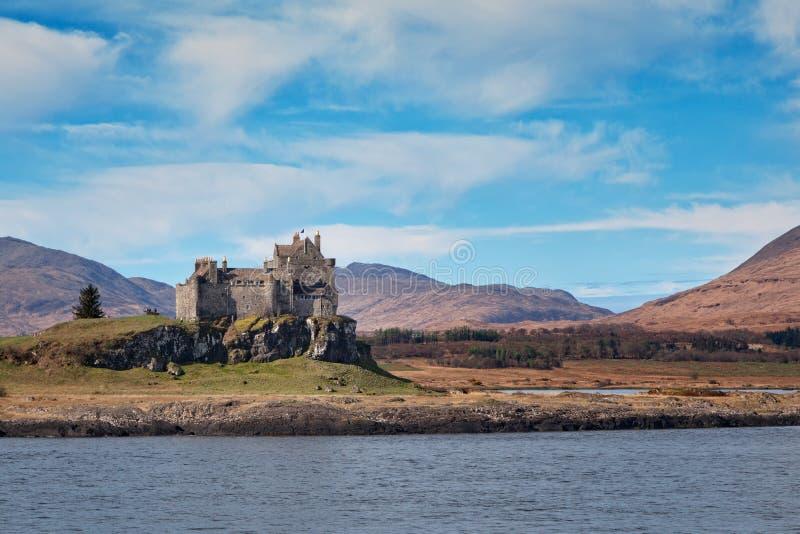 Vista do castelo de Duart do mar imagem de stock royalty free