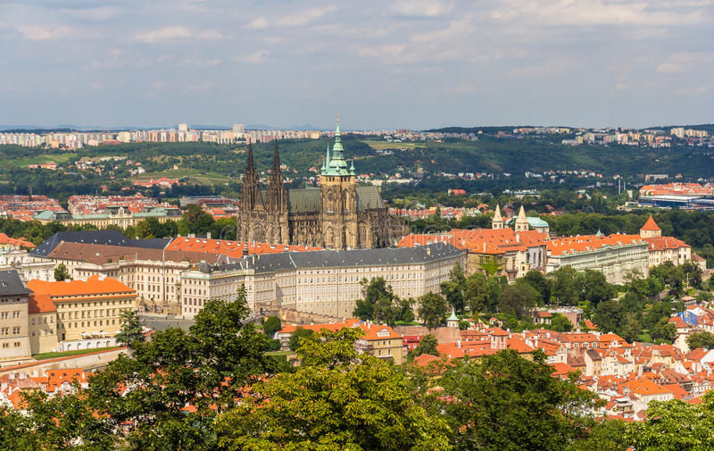 Vista do castelo de Praga (hrad de Prazsky) foto de stock royalty free