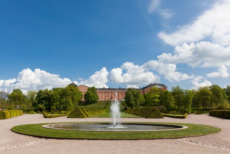Vista do castelo de Upsália imagens de stock royalty free