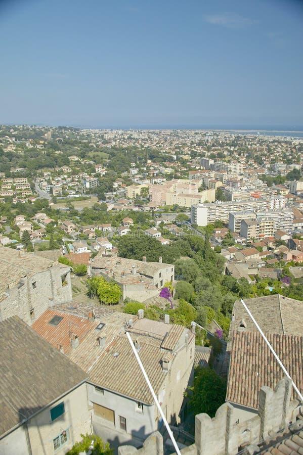 Vista do castelo Grimaldi de Haut de Cagnes, França imagens de stock