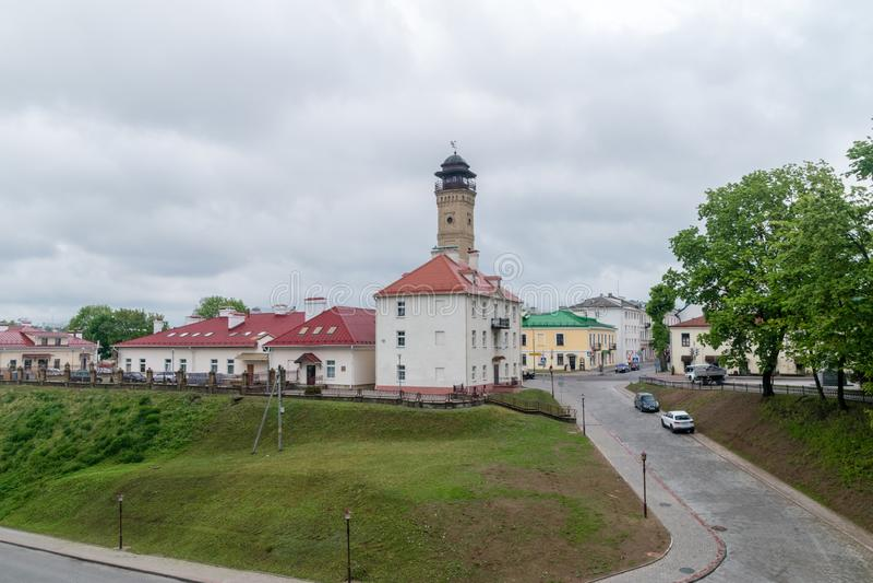 Vista do castelo velho em Grodno, Bielorrússia no dia nebuloso foto de stock