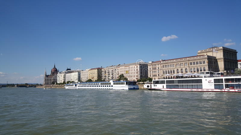 Vista do Danube River imagem de stock