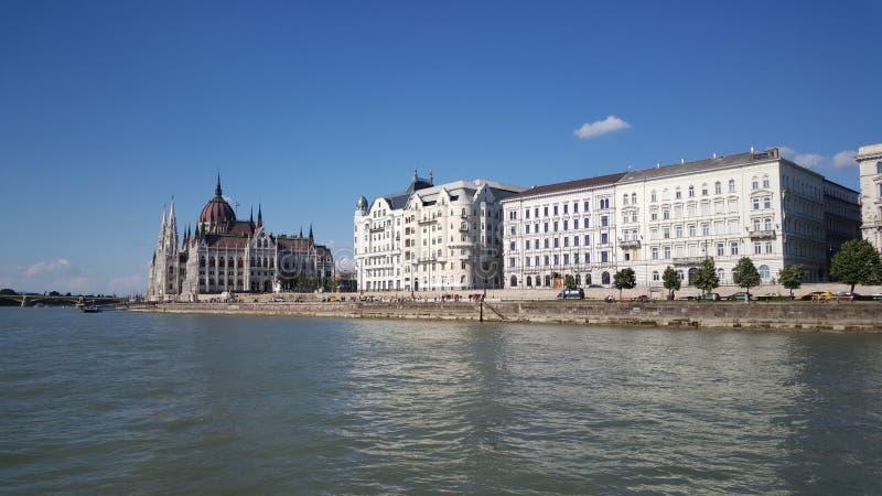 Vista do Danube River imagens de stock royalty free