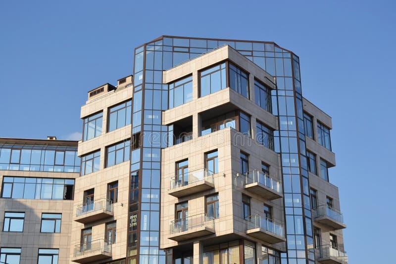 Vista do edifício moderno foto de stock