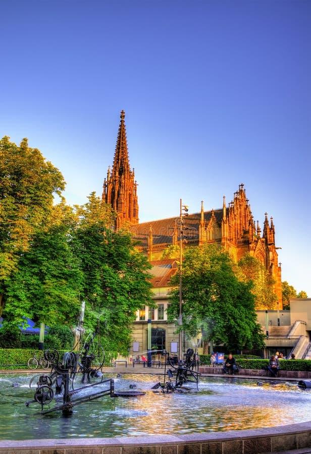 Vista do Elisabethenkirche em Basileia fotos de stock