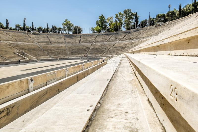 Vista do estádio do Panathenaic em Atenas fotografia de stock royalty free