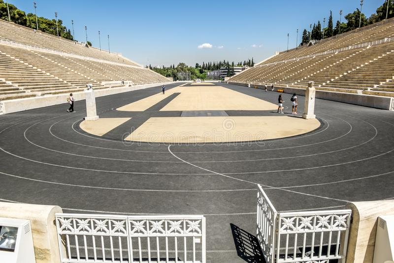 Vista do estádio do Panathenaic em Atenas fotografia de stock