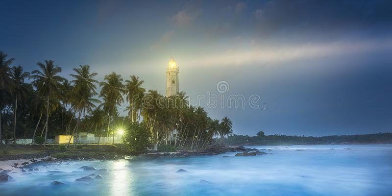 Vista do farol Dondra Matara, Sri Lanka foto de stock