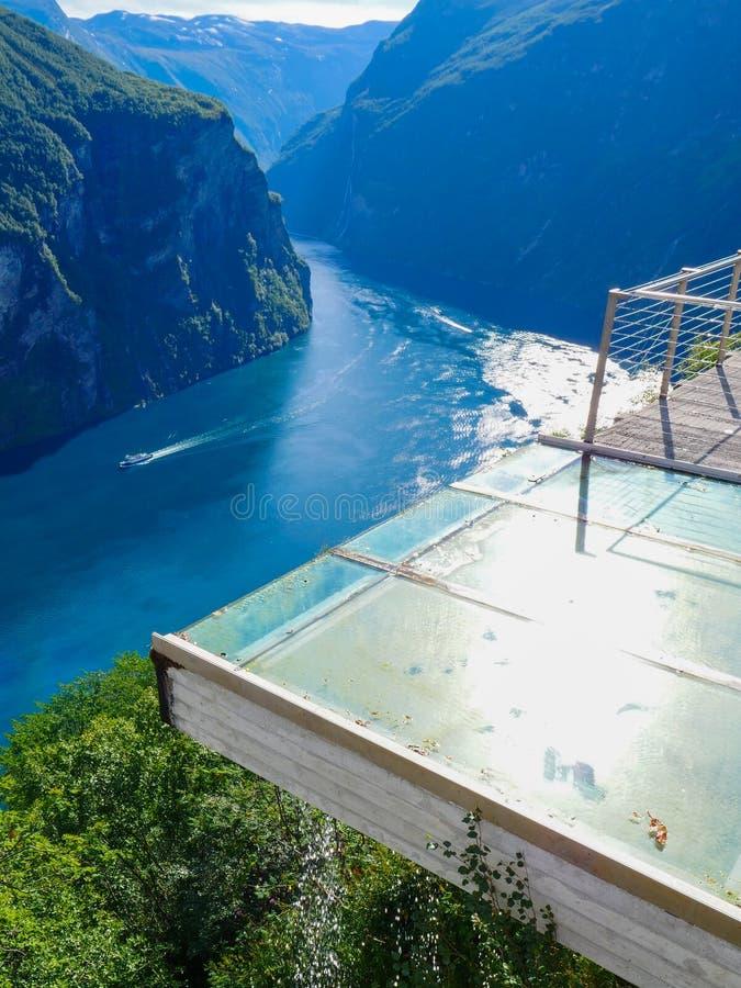 Vista do fiorde Geirangerfjord em Noruega fotografia de stock royalty free