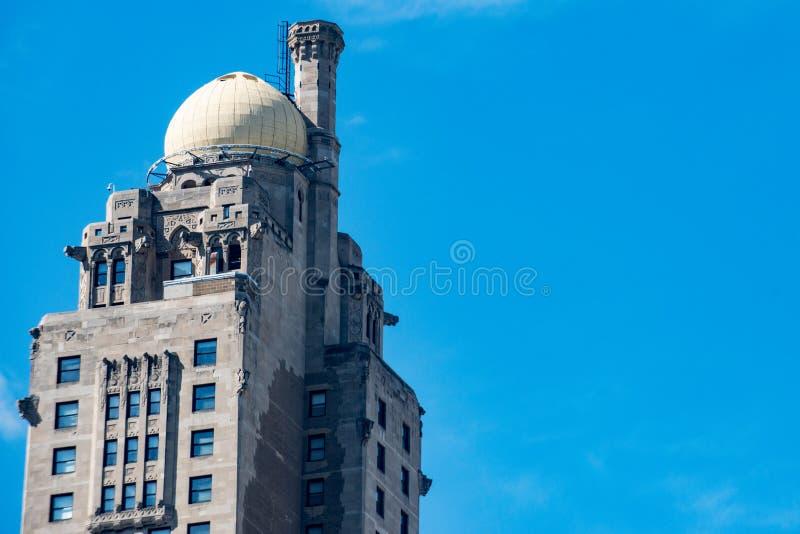 Vista do hotel intercontinental de Chicago com o obervatório da cebola na parte superior em Chicago foto de stock