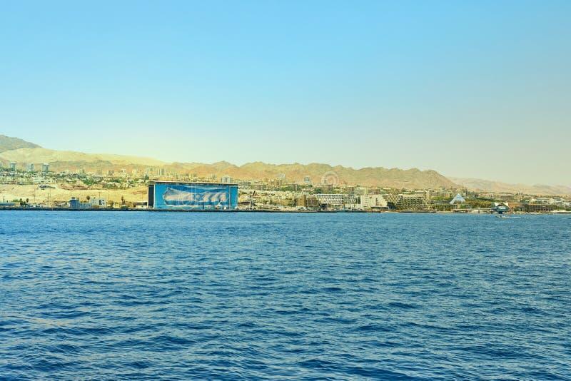 Vista do iate luxuoso ao Mar Vermelho Hotéis para turistas, barcos e iate por um feriado imagem de stock royalty free