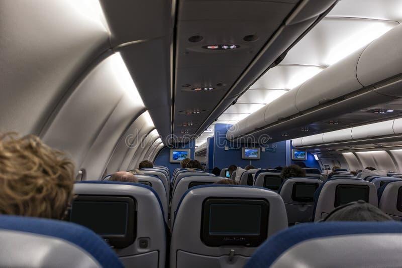 Vista do interior de um avião imagem de stock royalty free