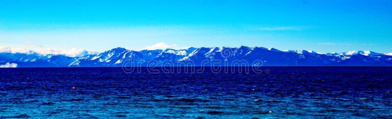 Vista do inverno de Lake Tahoe foto de stock royalty free