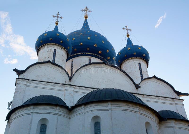 Vista do Kremlin de Suzdal imagens de stock
