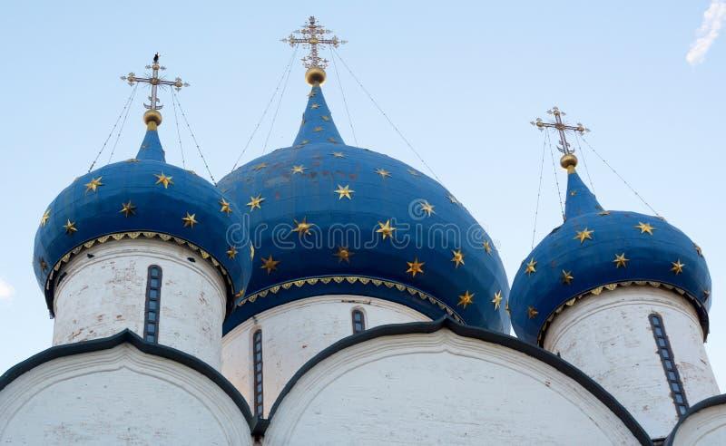 Vista do Kremlin de Suzdal imagens de stock royalty free