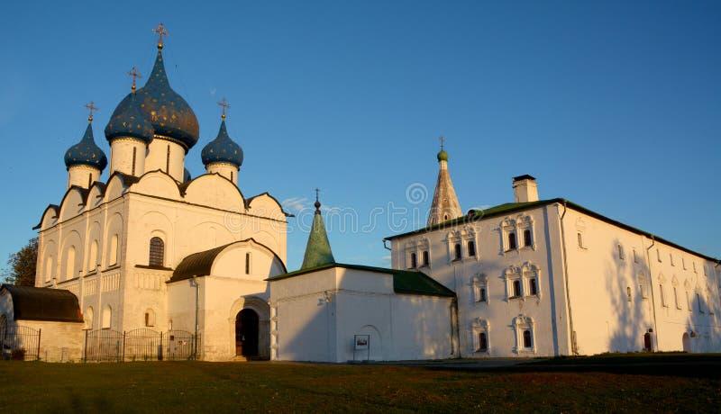 Vista do Kremlin de Suzdal fotografia de stock
