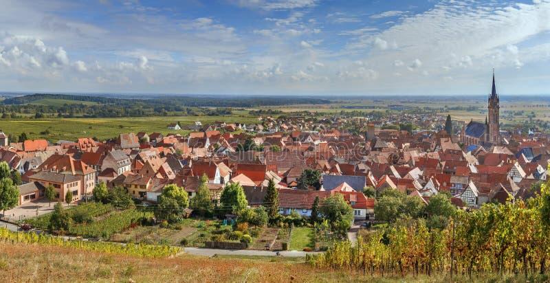 Vista do la Ville de Dambach, Alsácia, França imagem de stock royalty free