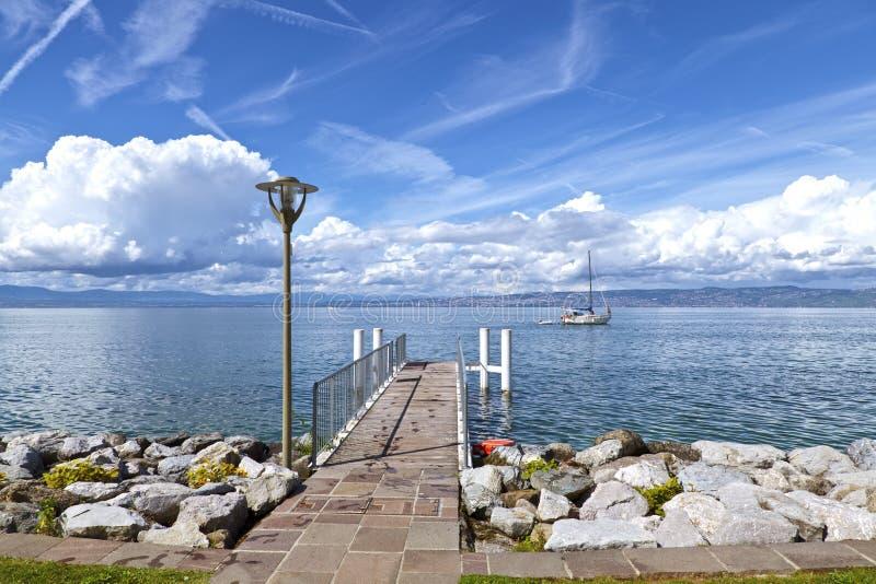 Vista do lago Genebra fotografia de stock royalty free