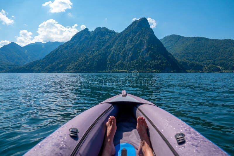 Vista do lago Traunsee em Salzkammergut, Áustria imagem de stock royalty free