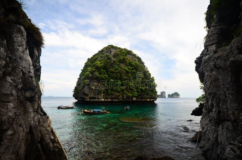 Download Vista Do Louro Do Maya, Console Da Phi Da Phi, Tailândia Foto de Stock - Imagem de paradise, navio: 26506352