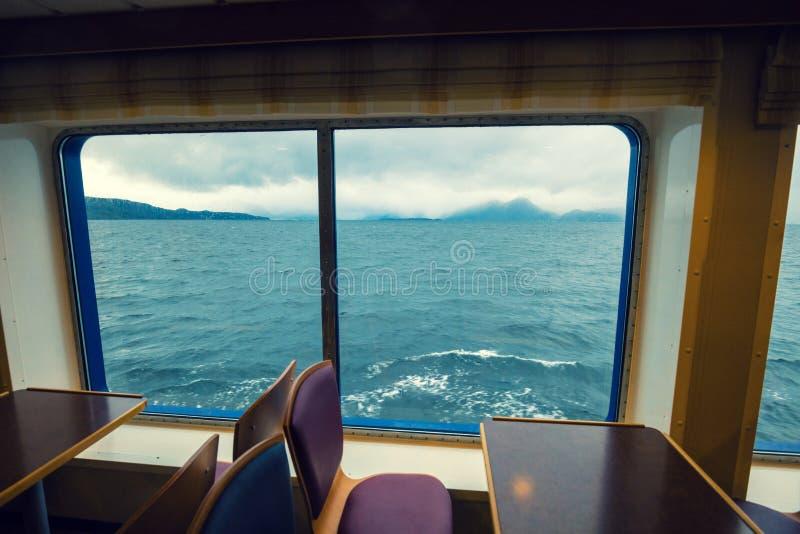 Vista do mar da janela na balsa fotografia de stock royalty free
