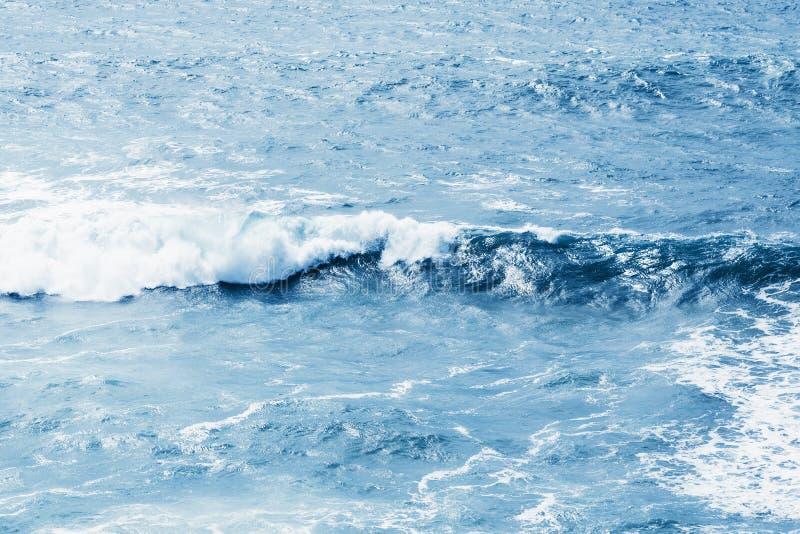 Vista do mar ou do oceano azul foto de stock