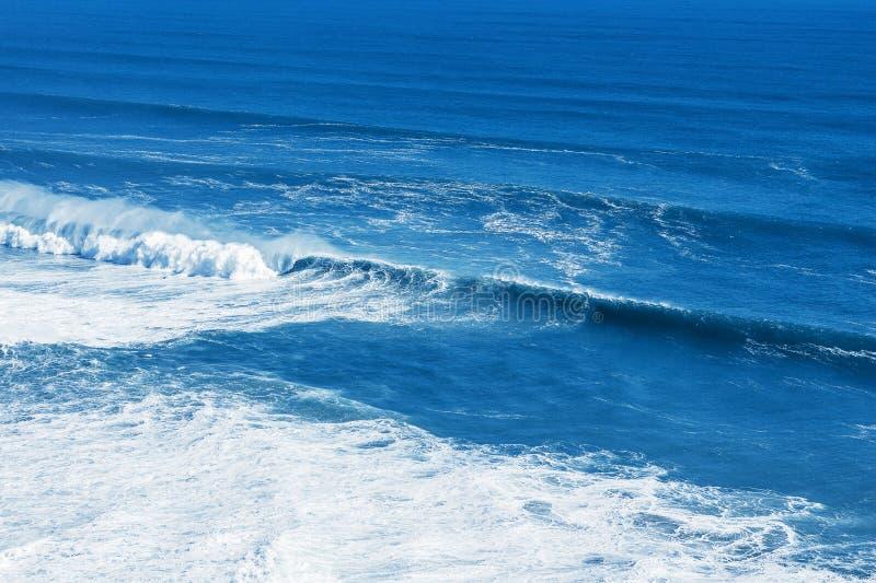 Vista do mar ou do oceano azul imagens de stock