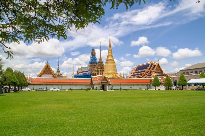 Vista do marco do templo do kaew do phra de Wat em Banguecoque em Tailândia imagens de stock